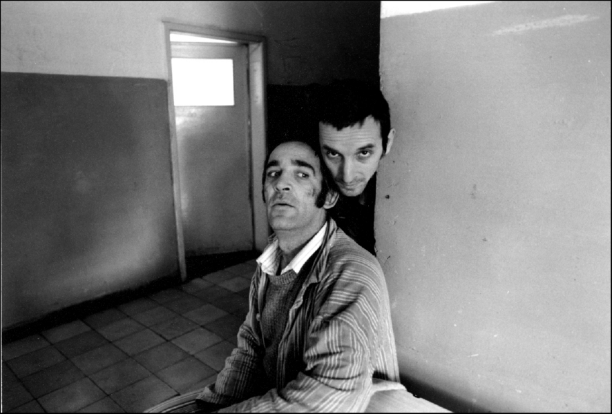 Looking at a visitor in Elbasan, Albania Mental asylum for adults 1992