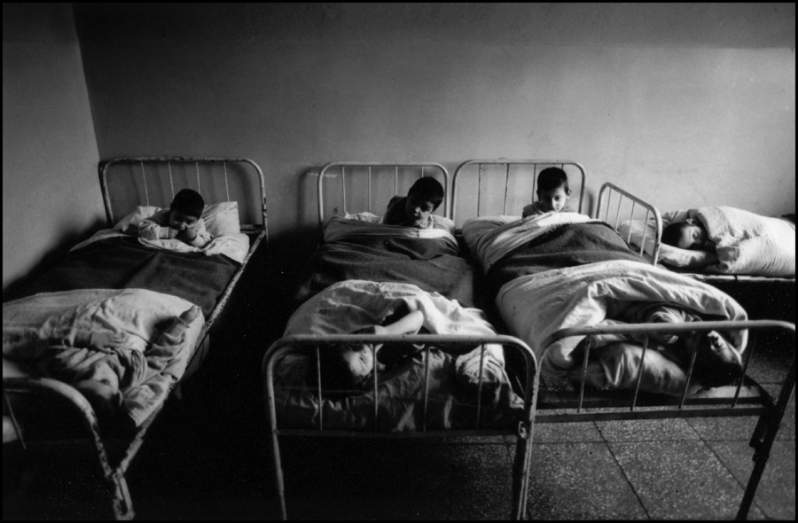 Two to a bed, Kids institution, Albania 1992 : Albania 1992 : BILL FOLEY