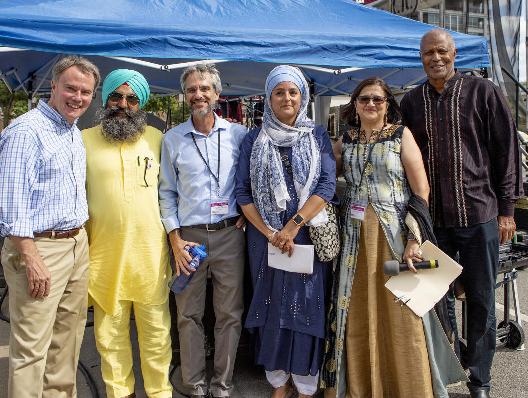 Mayor Joe Hogsett, Sikh Leader, CIC Director Charile Wiles, Judge David Shaheed and other participants in the festival Faith 2019.